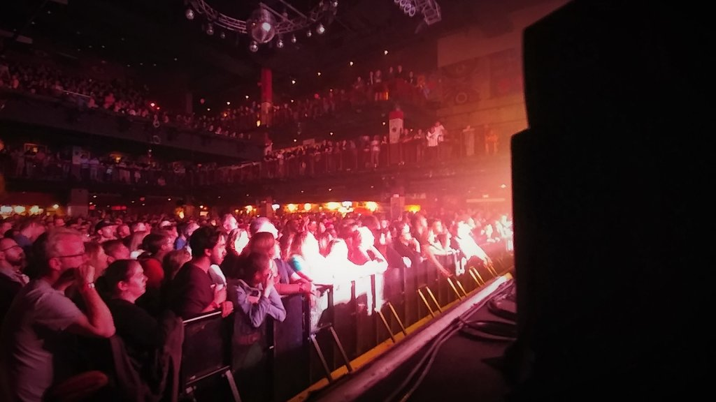 Pixies-HOB-052017-2118-crowd-stage-left.jpg